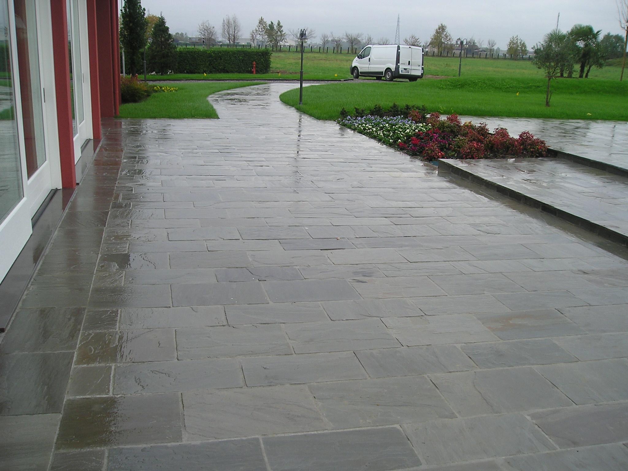 Casa moderna roma italy pavimenti per esterno in pietra for Opzioni materiale esterno casa