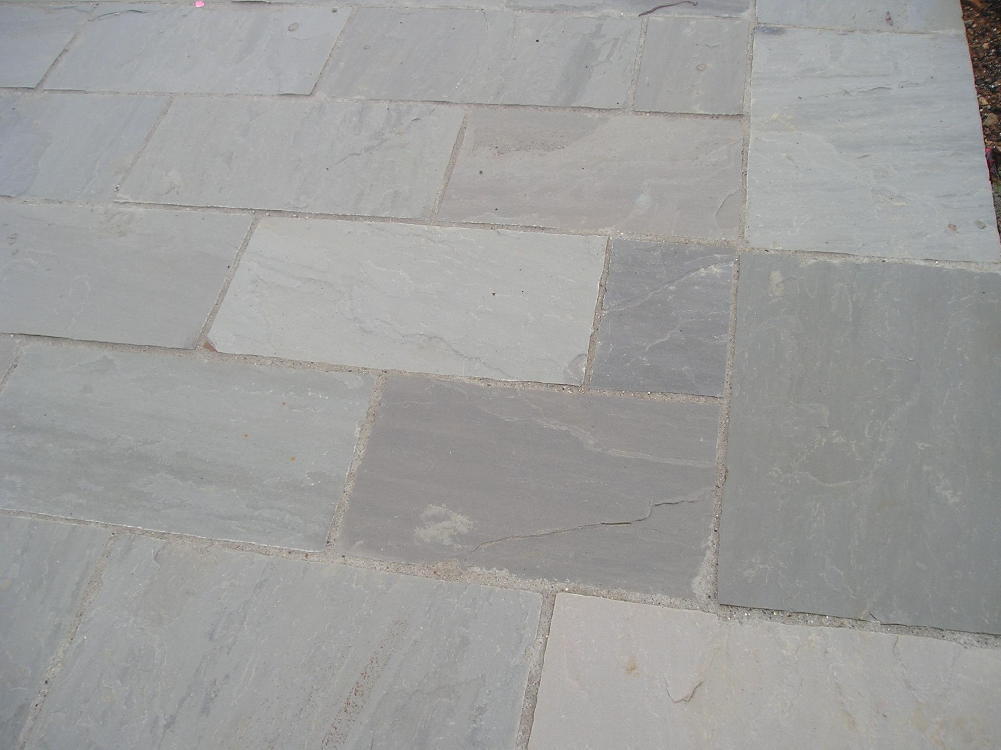 Soggiorno tra classico e moderno for Disegni unici del pavimento